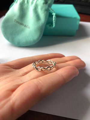 TIFFANY RING size 7 STERLING with original pouch and box! for Sale in Chicago, IL