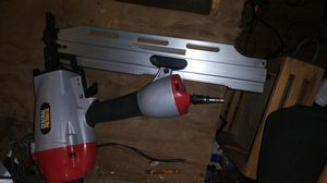 Central pneumatic 21° framing nail gun for Sale in Bartow, FL