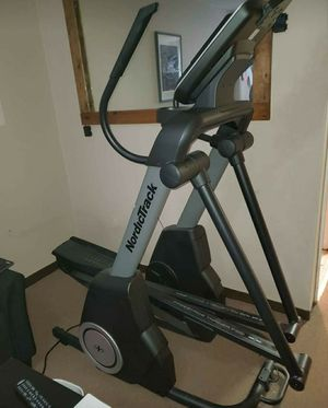Nordictrack Fs5i Elliptical Machine for Sale in Queens, NY