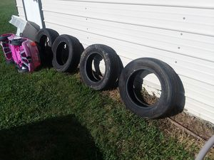 Yokohama 225 65 R17 tires good tread . These are very good brand name tires! for Sale in Crewe, VA