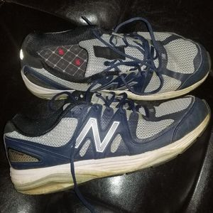 MEN NEW BALANCE SIZE 11 5 FREE for Sale in Stratford, CT