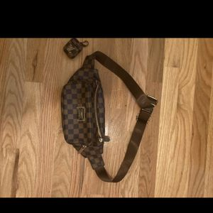 Luis Vuitton Fanny Pack for Sale in Atlanta, GA