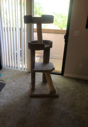 Cat Tree. LIKE NEW for Sale in Benicia, CA