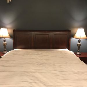 Novos Bed w/Queen bed set for Sale in Washington, DC