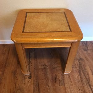 Table $5! for Sale in Clovis, CA
