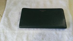 Yes Baker Women's Wallet for Sale in Creswell, OR