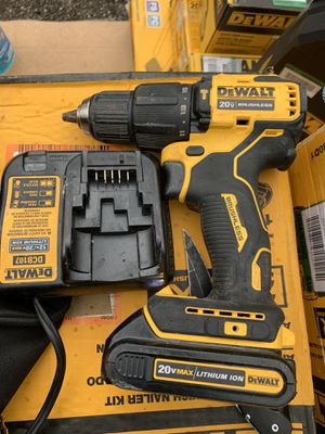 Dewalt brushless Xr atomic hammer drill kit not negotiable gently used for Sale in Plant City, FL