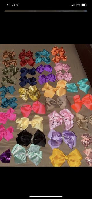 Bundle of bows for Sale in Long Beach, CA