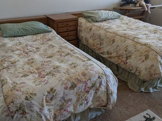 Twin Bedroom Set for Sale in Willingboro,  NJ