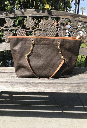 Mk purse for Sale in Pomona, CA