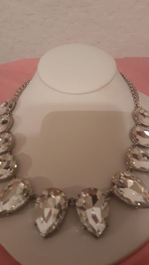 Very pretty necklace beautiful stones for Sale in Burleson, TX