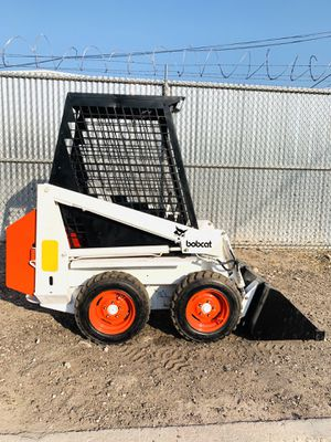 "Bobcat mini skid steer fits through side gates like 463, S70 (36"") wide for Sale in Phoenix, AZ"