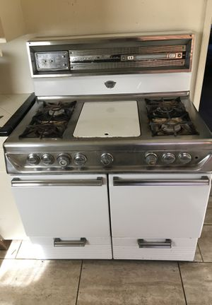 Gaffers and sattler vintage stove for Sale in Los Angeles, CA