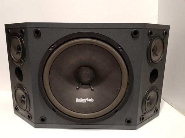 2Boston Audio with base BA-600 MKll Professional 500 watts 8 ohm