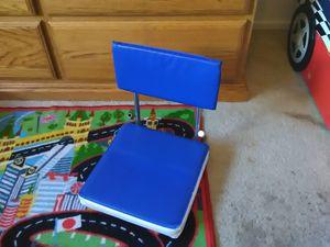 Kids floor chair for Sale in Fresno, CA