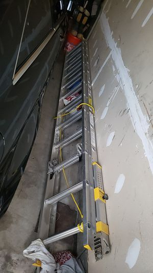24 ft telescopic aluminum ladder for Sale in UPR MARLBORO, MD