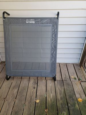 Bedsure elevated dog bed medium for Sale in Pleasant Hill, IA