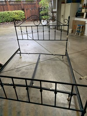 Cal king metal bed frame for Sale in San Jose, CA