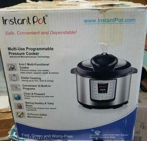 Instant Pot IP-LUX60 6 in 1 Programmable Pressure Cooker 6 Quart Instapot for Sale in Stanton, CA