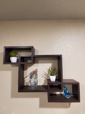 Wall shelf like new for Sale in Sacramento, CA