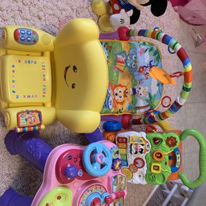 FOR FREE BABY TOYS for Sale in Hialeah, FL