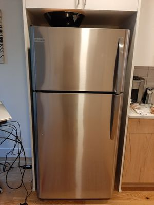 Frigidaire Stainless Front Refrigerator Model: FFH1832TS0 for Sale in Gresham, OR