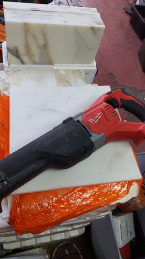 Milwaukee 18v sawzall for Sale in Dallas, TX