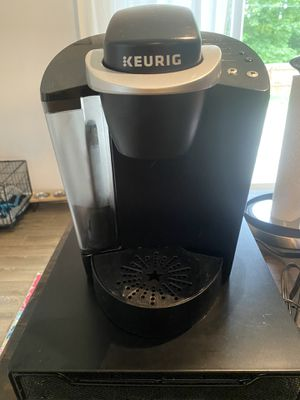 Keurig coffee machine with k-cup storage drawer for Sale in Mount Holly, NC