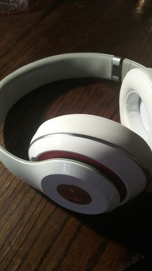 Beats Studio 2 Bluetooth wireless/wired w/ carry case for Sale in Santa Ana, CA