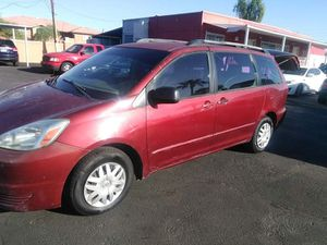 05 Toyota Sienna minivan cheap for Sale in Phoenix, AZ