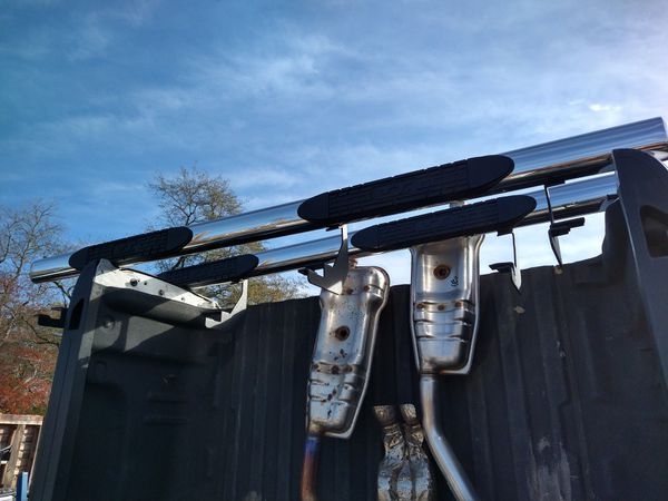 Very nice set four-door Chevrolet GMC step bars new body style stainless steel