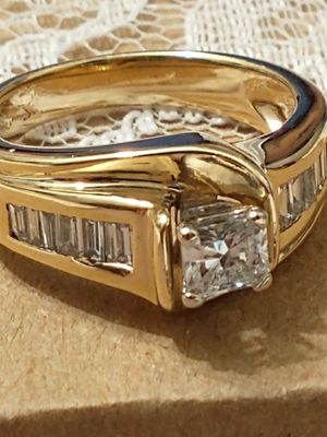 14k Yellow Gold Natural 1.00ctw Diamond Ladies Ring for Sale in Costa Mesa, CA