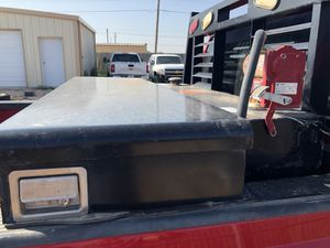 Diesel tank with tool box like new for Sale in Midland, TX