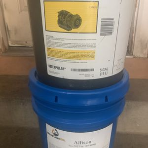 Aceite Trasmicion ALLISON Y CAT for Sale in Fontana, CA