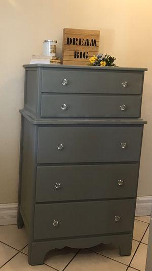 Beautiful Antique Dresser / Chest for Sale in La Puente, CA
