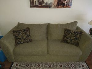 Couch Very Nice smoke and pet free home for Sale in Murfreesboro, TN