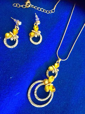 🌿🌼🦋🌸🦋🌿 . Yellow gemstone butterfly earrings with necklace together / Fine Fashion jewelry new for Sale in Lincolnia, VA
