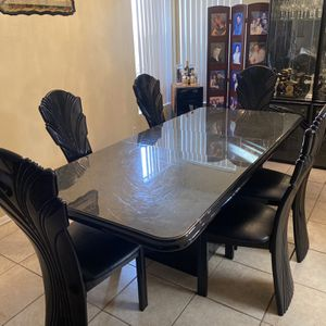 Dining Room + 6 Chairs + Cabinet for Sale in El Cajon, CA