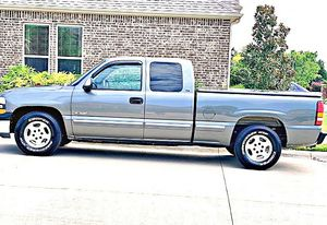 ֆ12OO 4WD CHEVY SILVERADO 4WD for Sale in Rancho Palos Verdes, CA