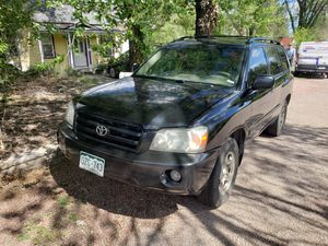 2007 Toyota Highlander 4cyl front wheel drive for Sale in Colorado Springs, CO