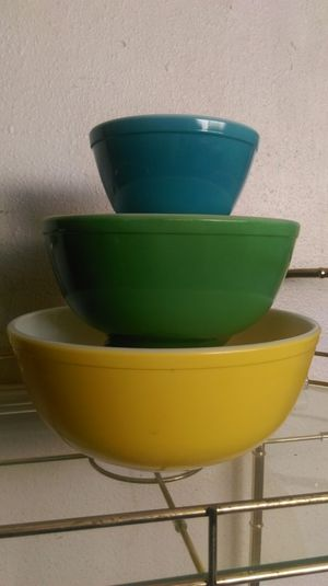 Pyrex Mixing Bowls 3 pieces for Sale in Orange, CA