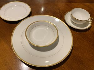 China gold white antique vintage dinnerware wedding plates for Sale in Redlands, CA