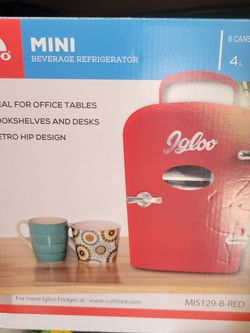 Igloo Mini Fridge for Sale in Deltona,  FL