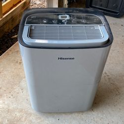 Hisense Dehumidifier 50pints/day for Sale in Clackamas,  OR