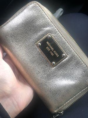 Michael kors Wallet for Sale in Issaquah, WA