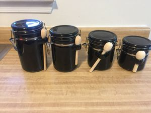 4 Ceramic Storage Containers in excellent condition (pick up only) for Sale in Alexandria, VA