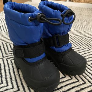 Northside Kids Snow boots - 5T for Sale in Seattle, WA