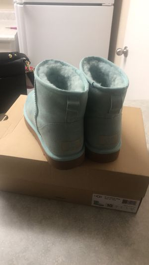 Ugg boots for Sale in McClellan Park, CA