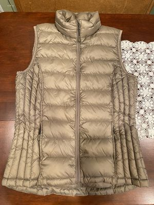 Thin puffy women's vest size small for Sale in Parkland, WA
