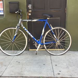 Trek oclv 120 carbon fiber road bike for Sale in San Diego, CA